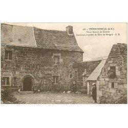 carte postale ancienne 22 TREBEURDEN. Manoir de Kerario avec Fermiers 1933