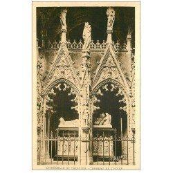 """carte postale ancienne 22 TREGUIER. Cathédrale Tombeau de Saint-Yves 1946. Tampon Colonie """""""" Les Calots Verts """""""" à Plougrescant"""