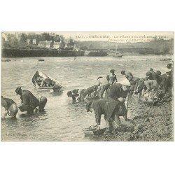 carte postale ancienne 22 TREGUIER. La Pêche aux Huîtres à Pied 1922