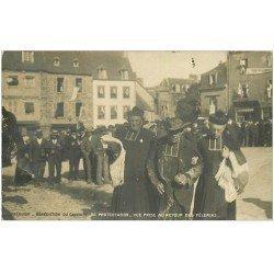 carte postale ancienne Rare Carte Photo 22 TREGUIER. Bénédiction du Calvaire de Protestation. Retour des Pélerins vers 1900