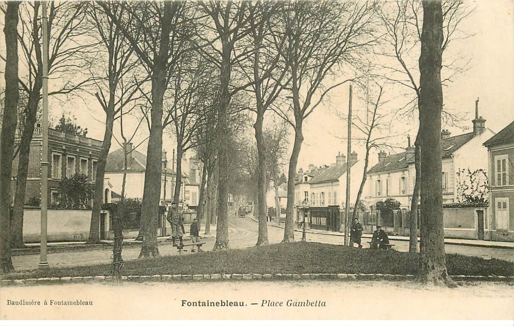 carte postale ancienne 77 FONTAINEBLEAU. Place Gambetta