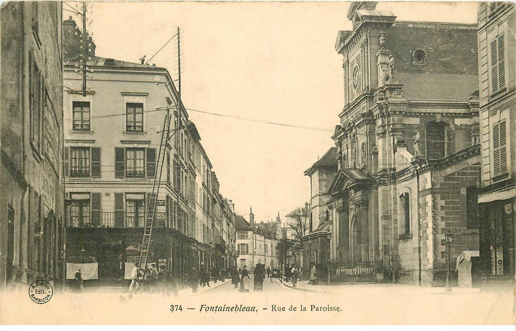 carte postale ancienne 77 FONTAINEBLEAU. Rue de la Paroisse 1905