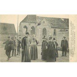 carte postale ancienne 77 BARCY. Eglise visite Marbau Evêque de Meaux