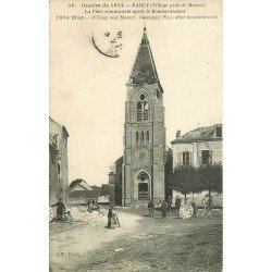 carte postale ancienne 77 BARCY. Place communale avec cadrans horloge de l'Eglise à terre 1914