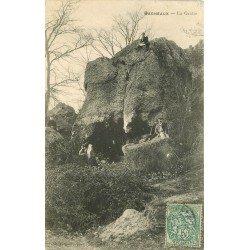 carte postale ancienne 77 BAGNEAUX. La Grotte belle animation