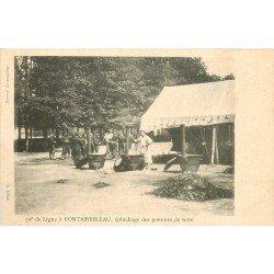 carte postale ancienne 77 FONTAINEBLEAU. Epluchage pommes de terre du 76° ligne. Militaires et Campement