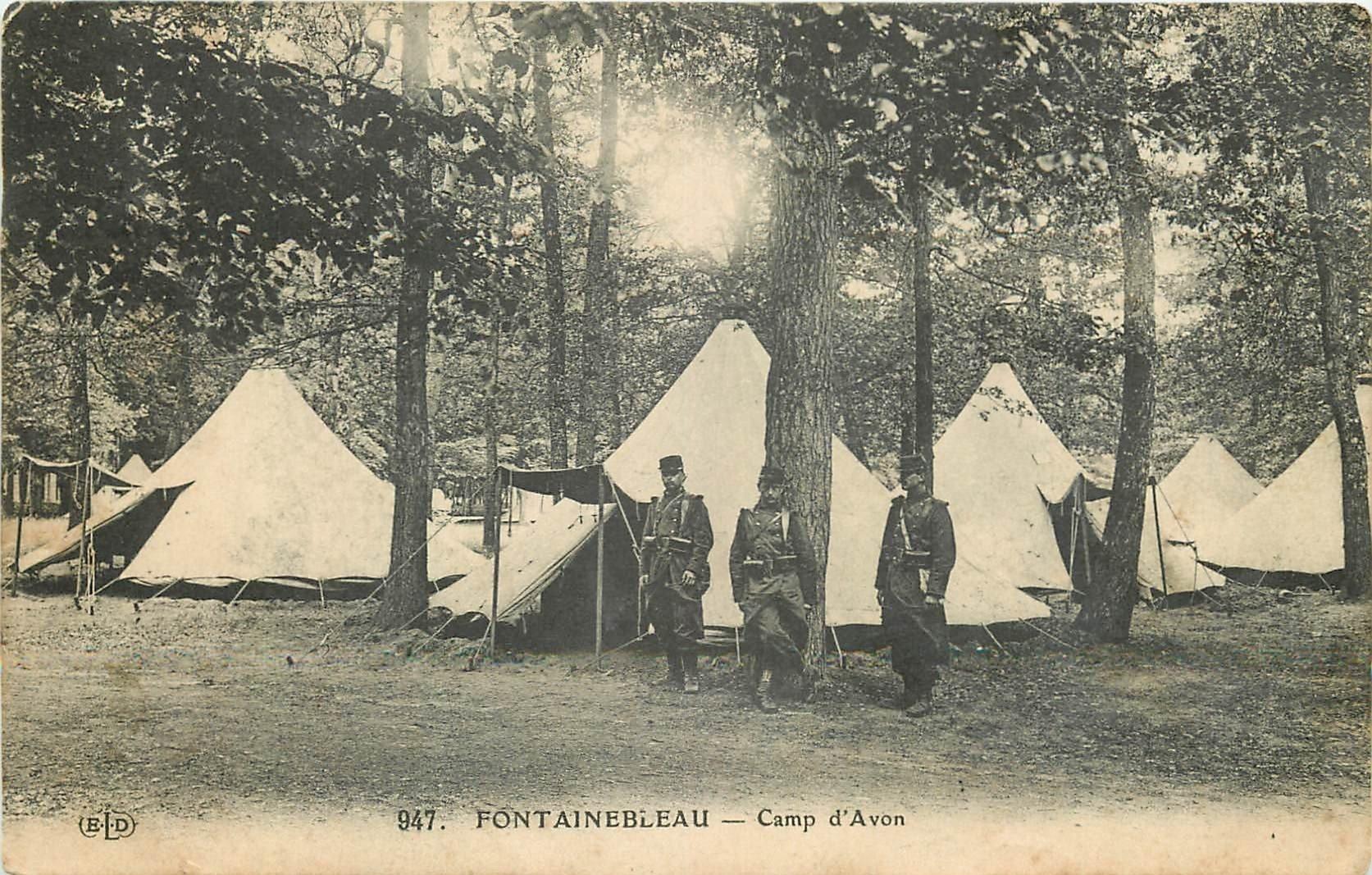 carte postale ancienne 77 FONTAINEBLEAU. Camp d'Avon 1911. Militaires et Campement