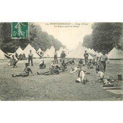 carte postale ancienne 77 FONTAINEBLEAU. Camp d'Avon Repos après la Soupe 1906. Militaires et Campement
