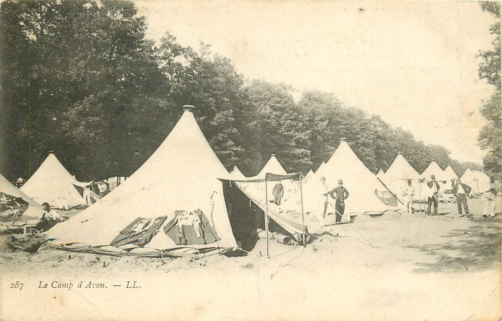 carte postale ancienne 77 FONTAINEBLEAU. Camp d'Avon 1908. Militaires et Campement