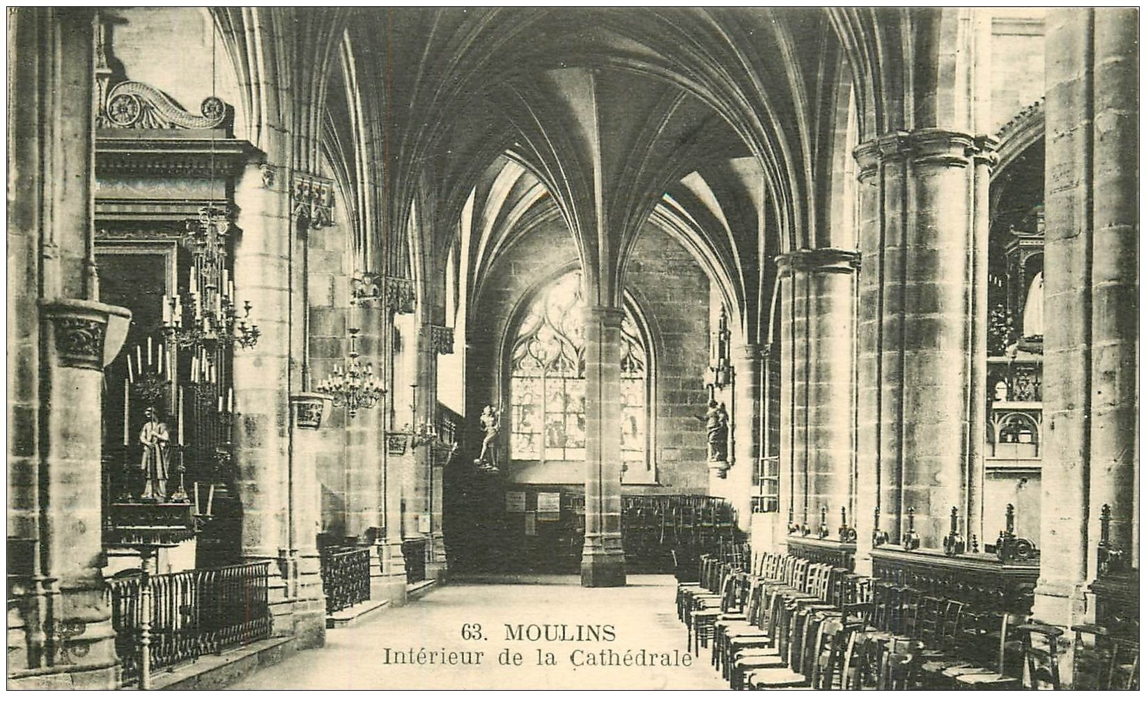 carte postale ancienne 03 MOULINS. Cathédrale intérieur vitrail