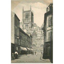 carte postale ancienne 77 MEAUX. La Cathédrale vue de la Rue Saint-Rémy 1912