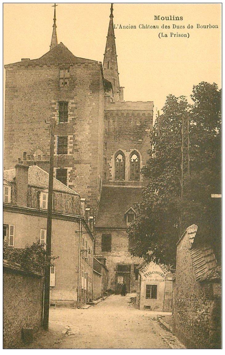 carte postale ancienne 03 MOULINS. Château Ducs de Bourgogne. Faulconnier voitures à volonté