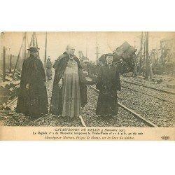 carte postale ancienne 77 MELUN. Catastrophe du Rapide Marseille tamponne Train-poste de 1913. Marbeau Evêque de Meaux