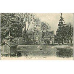 carte postale ancienne 03 MOULINS. Le Jardin Public et Coiffeur