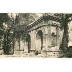 carte postale ancienne 77 COULOMMIERS. Ruines Parc des Capucins personnage assis