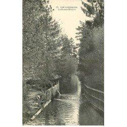 carte postale ancienne 77 COULOMMIERS. Lavandières Laveuses sur la Fausse-Rivière