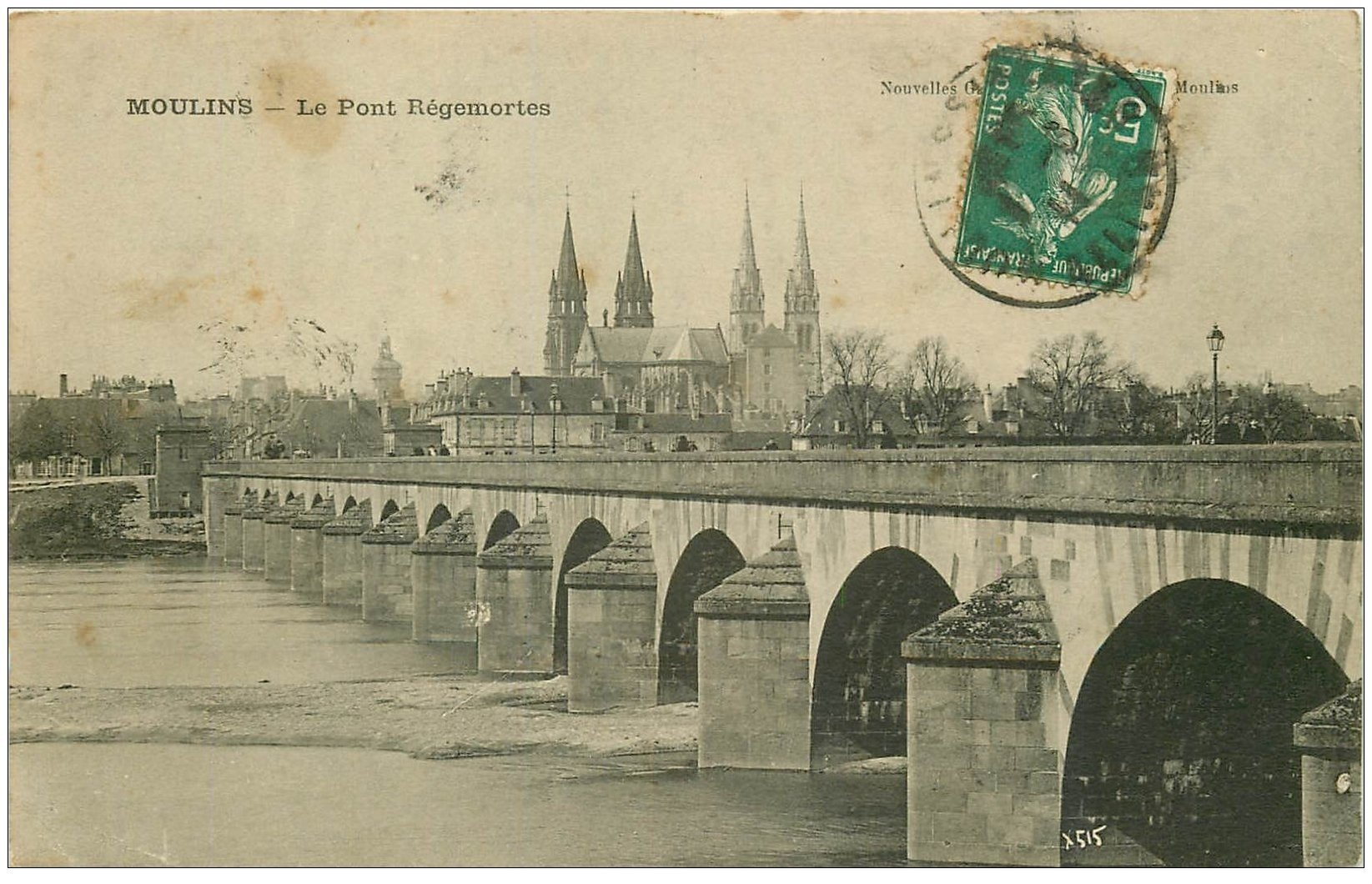 carte postale ancienne 03 MOULINS. Pont Régemortes 1911