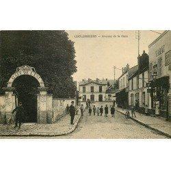 carte postale ancienne 77 COULOMMIERS. Avenue de la Gare Tabac et Café de l'Est
