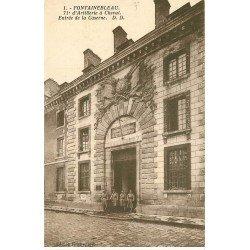 carte postale ancienne 77 FONTAINEBLEAU. Caserne Artillerie à Cheval 1932