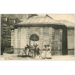 carte postale ancienne 03 NERIS-LES-BAINS. Femmes à la Source Chaude