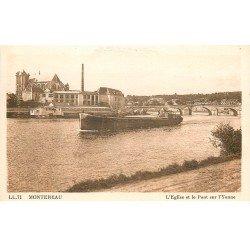 carte postale ancienne 77 MONTEREAU. Eglise et Pont sur Yonne Péniche