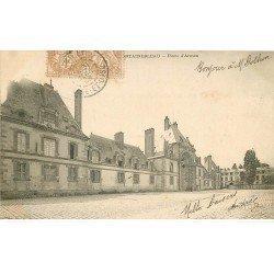 carte postale ancienne 77 FONTAINEBLEAU. Place Armes 1902