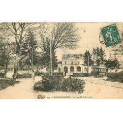 carte postale ancienne 77 FONTAINEBLEAU. Façade de la Gare 1911