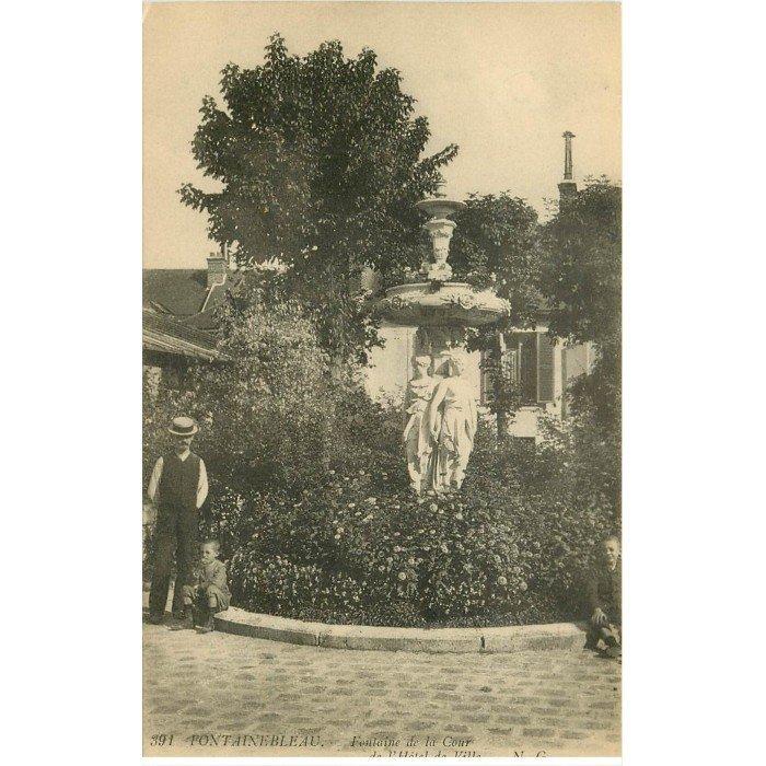 77 fontainebleau fontaine cour h tel de ville 1914 - Hotel fontainebleau piscine ...