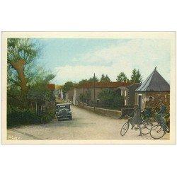 carte postale ancienne 01 LEYMENT. Quartier de la Gillotière. Cyclistes