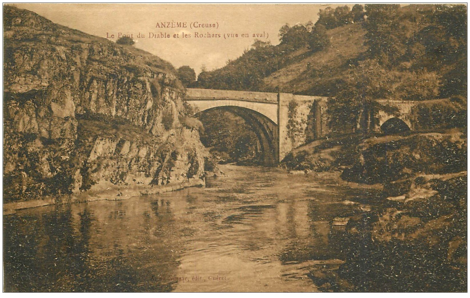 carte postale ancienne 23 ANZEME. Le Pont du Diable et les Rochers