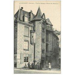 carte postale ancienne 23 AUBUSSON. Vieille Maison Place du Marché et Fontaine