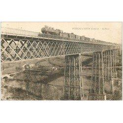 carte postale ancienne 23 BUSSEAU-D'AHUN. Train locomotive à vapeur sur le Pont
