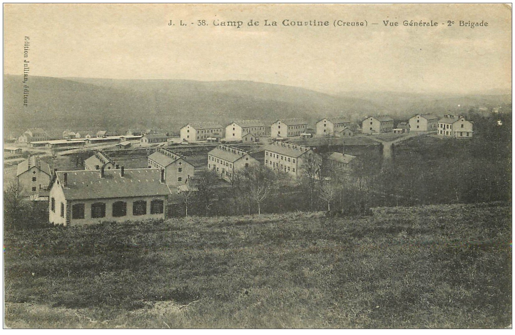 carte postale ancienne 23 CAMP DE LA COURTINE. 2ème Brigade
