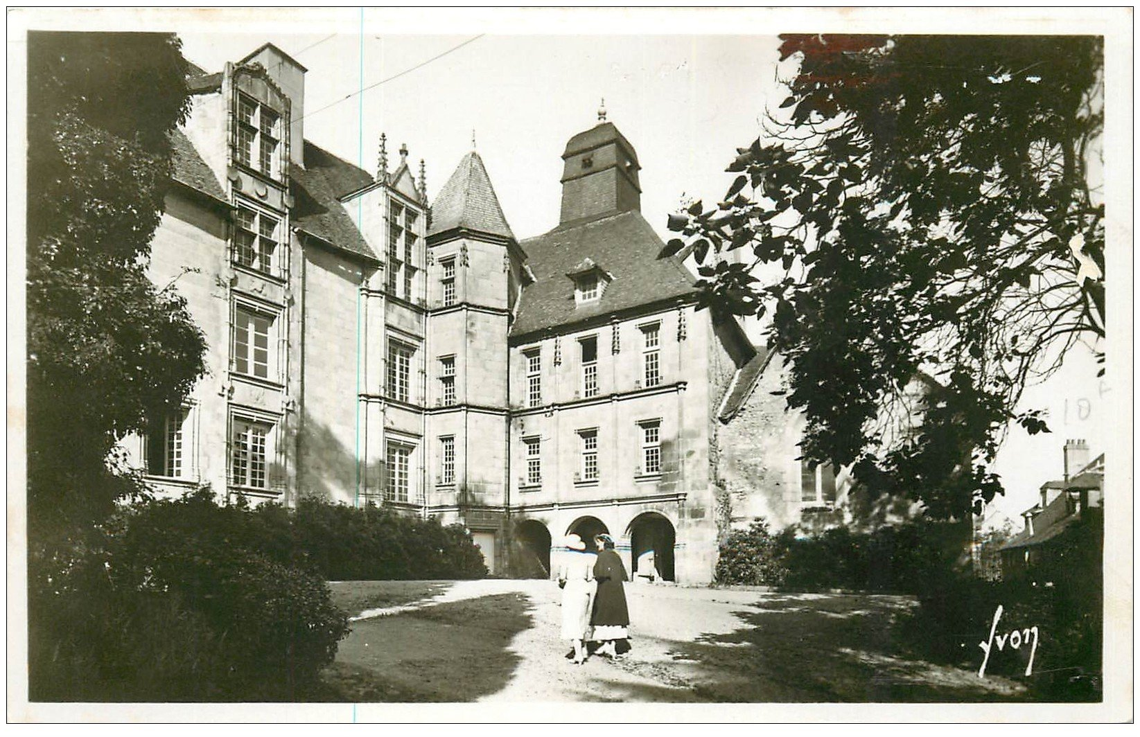 carte postale ancienne 23 GUERET. Hôtel Monneyroux. Carte Photo