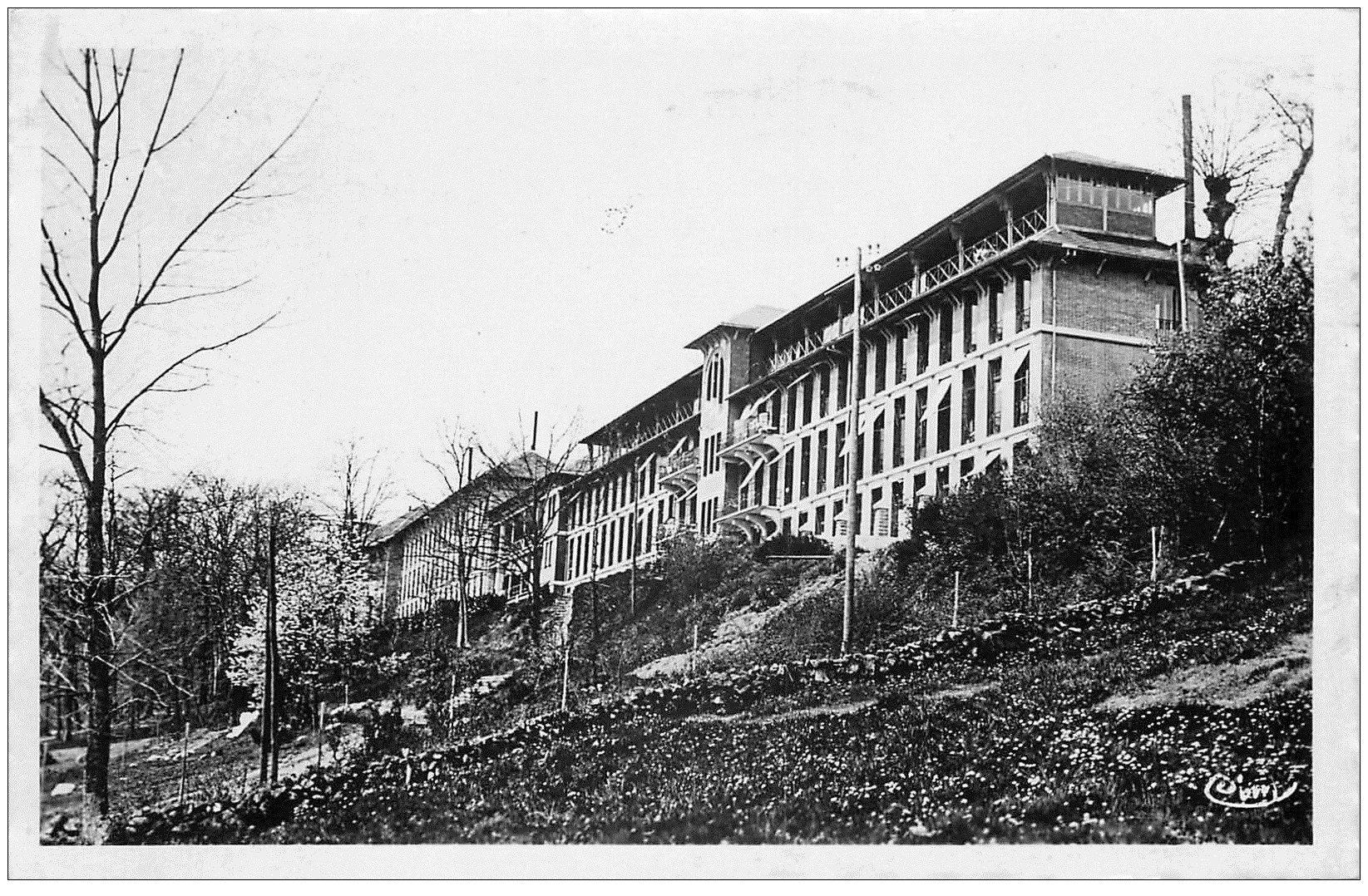 carte postale ancienne 23 GUERET. Sanatorium des Instituteurs de Sainte-Feyre 1947. Carte Photo