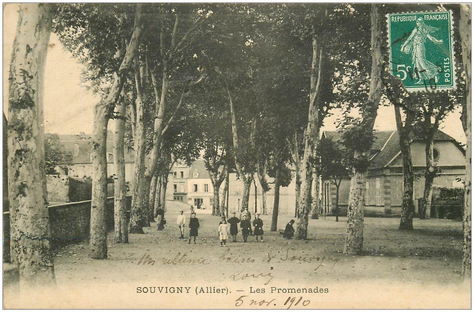 carte postale ancienne 03 SOUVIGNY. Les Promenades 1910 (défau)...