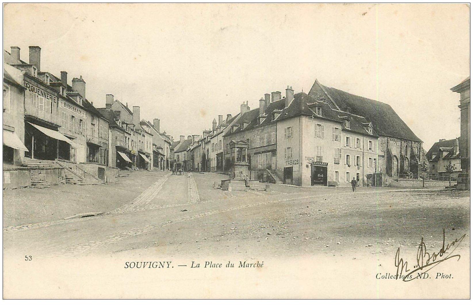 carte postale ancienne 03 SOUVIGNY. Place du Marché 1904