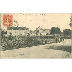 carte postale ancienne 03 URCAY. La Gendarmerie à l'Entrée de la Ville 1911