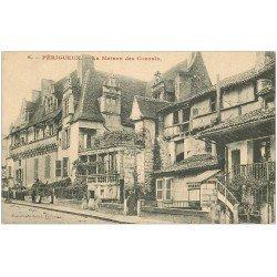 carte postale ancienne 24 PERIGUEUX. La Maison des Consuls 1909 avec petite animation