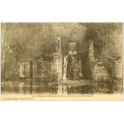 carte postale ancienne 25 ARCIER. Sources et Ruines avec personnage