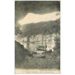 carte postale ancienne 25 BASSINS DU DOUBS. Grotte du Roi de Prusse 1913. Passeurs en barque