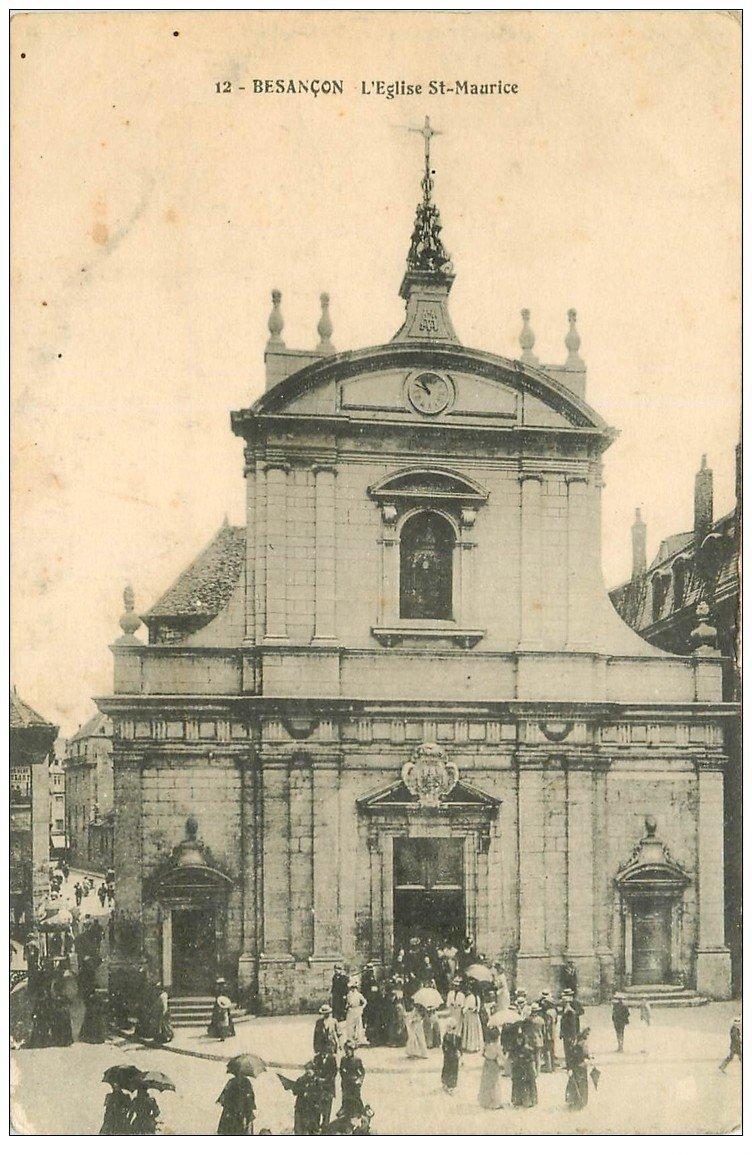 carte postale ancienne 25 BESANCON. Sortie de l'Eglise Saint-Maurice