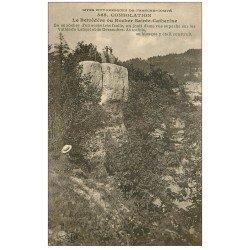 carte postale ancienne 25 CONSOLATION. Le Belvédère ou Rocher Sainte-Catherine. Personnages assis et au sommet