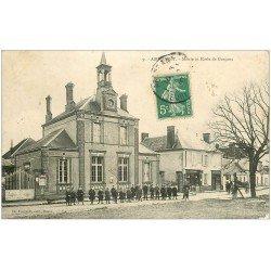 carte postale ancienne 28 ABONDANT. Mairie et Ecole de Garçons 1910 (défaut)