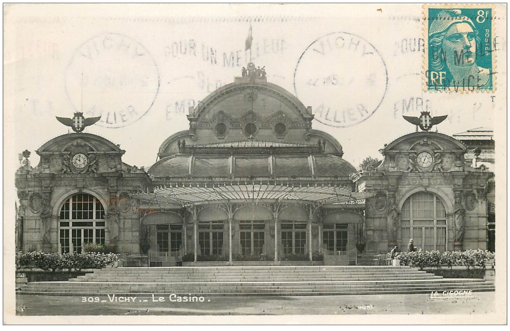 carte postale ancienne 03 VICHY. Casino. Carte Photo 1950