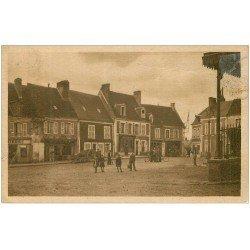 carte postale ancienne 28 AUTHON-DU-PERCHE. La Place du Marché. Familistère