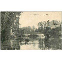 carte postale ancienne 28 BONNEVAL. Le Grand Pont avec rameurs