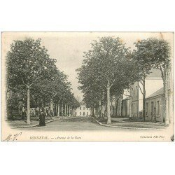 carte postale ancienne 28 BONNEVAL. Un Curé Avenue de la Gare 1904