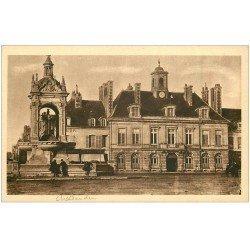 carte postale ancienne 28 CHATEAUDUN. Fontaine et Hôtel de Ville MG 71
