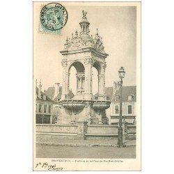 carte postale ancienne 28 CHATEAUDUN. Fontaine Place 18 octobre 1903